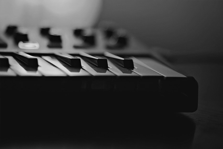 Top 10 best digital piano midi controllers to buy in 2018
