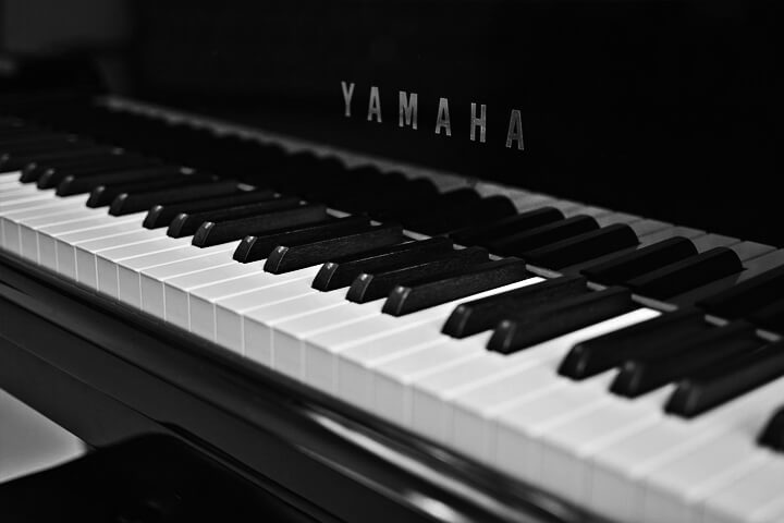 the 7 best yamaha digital pianos to buy in 2018 digital piano expert. Black Bedroom Furniture Sets. Home Design Ideas